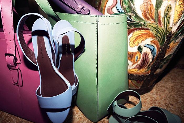 Bruno Magli schoenencollectie 2013. Bekijk hier de Bruno Magli schoenencollectie 2013. Lees hier alles over dit musthave merk! Ontdek Bruno Magli hier.