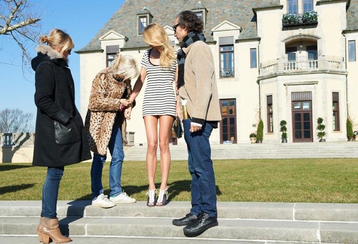 Alles over Cameron Diaz. Cameron Diaz gaat eigen schoenenlijn ontwerpen voor Pour la Victoire. Lees alles over haar samenwerking hier!