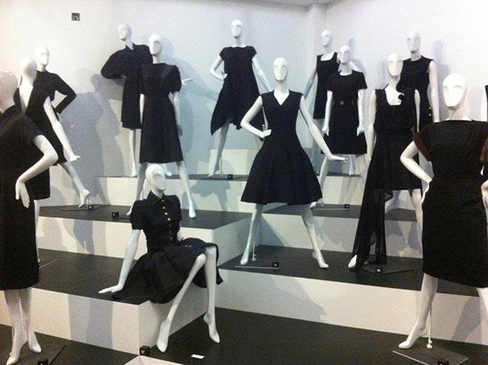 Tentoonstelling Den Haag: Chanel De Legende. Lees hier onze review over de tentoonstelling in Den Haag van Chanel De Legende. Ook met veel foto's.