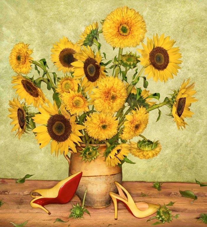 Schoenenkunst: Christian Louboutin's lente 2014 campagne. Alles over Christian Louboutin's lente 2014 campagne. Bekijk de schoenenkunst en de foto's.