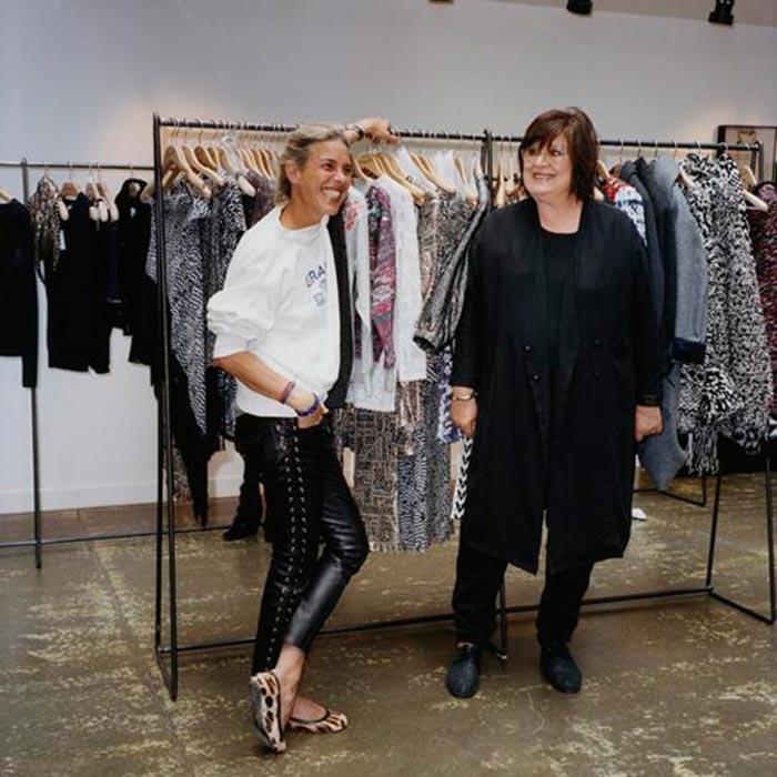 H&M x Isabel Marant sneakpeak. Nieuwe informatie over de samenwerking tussen H&M en Isabel Marant. Ontdek nieuwe items die zijn prijsgegeven!