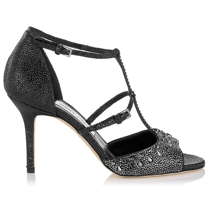 Jimmy Choo capsule collectie 2015. Alles over de nieuwe Jimmy Choo capsule collectie 2015. Bekijk de video en alle pumps en sandalen nu.