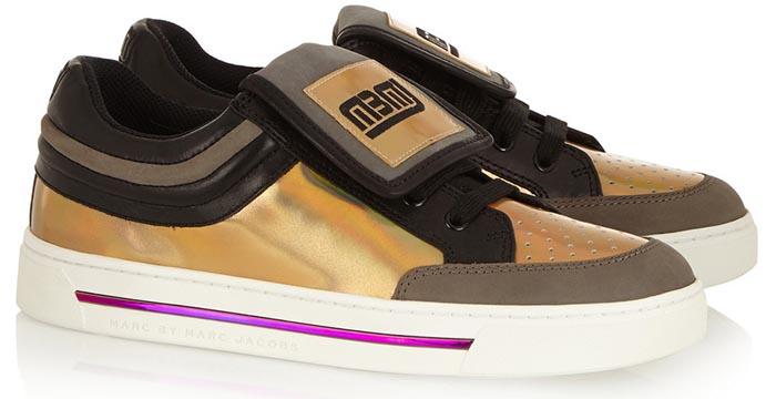 Trends zomer 2015: metallic shoes. Van pumps en sneakers tot metallic espadrilles. De trends van de zomer van 2015 staan in het teken van metallic.