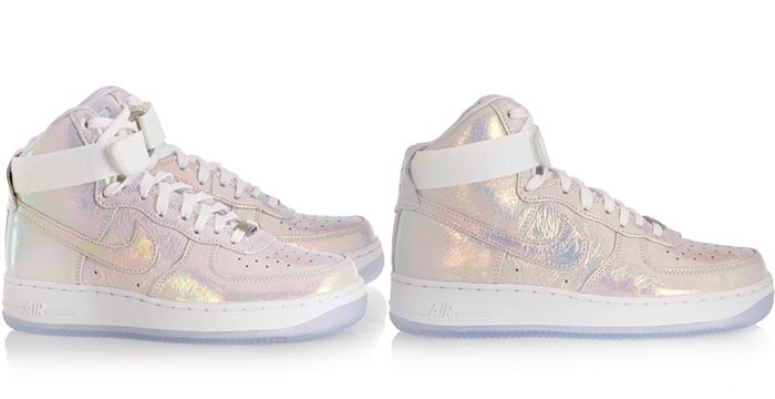 Nike Air Force 1 sneakers: pretty pink. Alles over deze te gekke Nike Air Force 1 sneakers: pretty pink. Laat je inspireren en shop deze musthave nu.