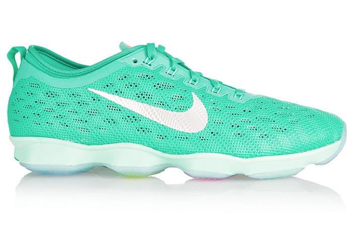 Coole sneakers voor januari 2015. Winter musthave: coole sneakers voor 2015. Musthave voor de winter: Nike, Adidas, New Balance en meer. Ontdek nu.