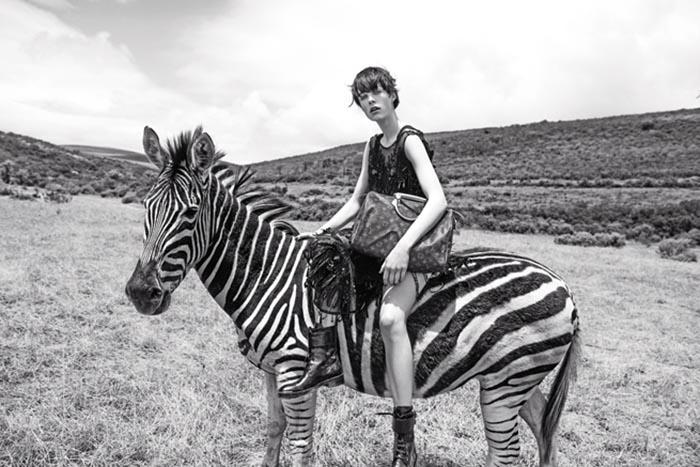 Louis Vuiton naar Zuid Afrika voor campagne. Modelabel Louis Vuiton reist af naar Zuid Afrika voor nieuwe campagne met Edie Campbell en Karin Elson.