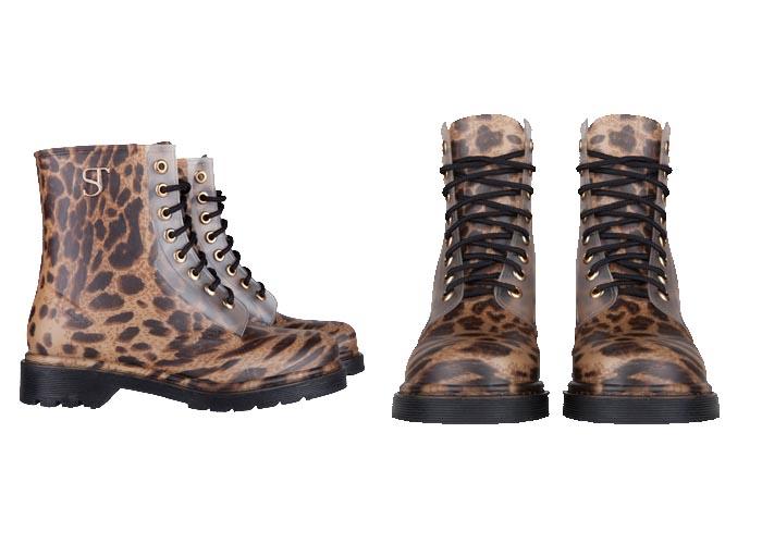 Supertrash regenlaarzen: musthave 2015. Regenlaarzen, rain boots, regenboots, enkellaarsjes en meer van Supertrash. Ga voor de luipaard print schoenen. Ontdek.
