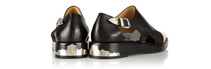 Musthave 2014: Toga cut out loafers. Alles over de Toga cut out loafers, western en een echte musthave voor de zomer van 2014. Bekijk hier.