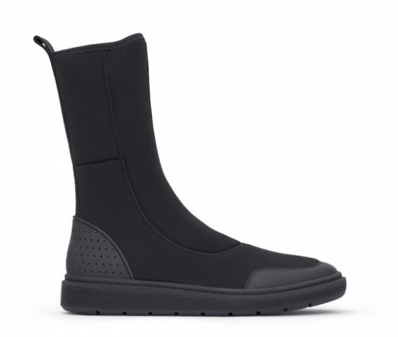 Alexander Wang x H&M: de schoenen. Alles over de collectie van Alexander Wang x H&M: de schoenen. Freya boots, scuba boots, slippers en stoere hakken.