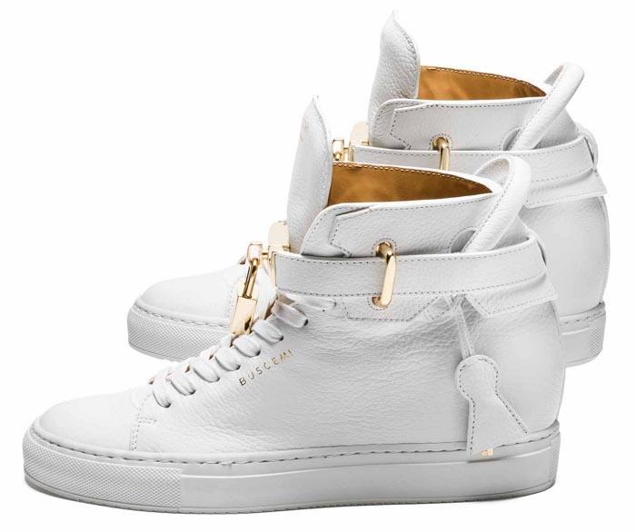 Buscemi komt met dames sneakers! Alles over de nieuwe dames sneakers van het Italiaanse schoenenlabel Buscemi: de 10 mm wedge sneaker is te gek.