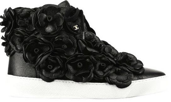 Alles over Chanel sneakers: de musthave van 2013! Ontdek  hier alles over musthave Chanel sneakers en lees hier alles over de collectie van 2013!
