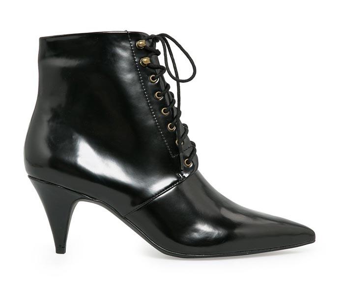Mango schoenen vs. Saint Laurent laarsjes. Alles over de Mango schoenen vs. Saint Laurent laarsjes: copycat alert. Bekijk hier de fashion kopie.