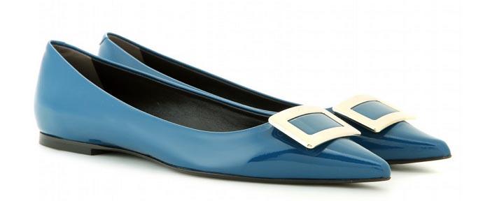 Mode trends 2015: de ballerina. Deze schoen is terug! Gespot bij Kenzo, Roger Vivier en Miu Miu. Mode trends 2015: de ballerina is terug voor de zomer.