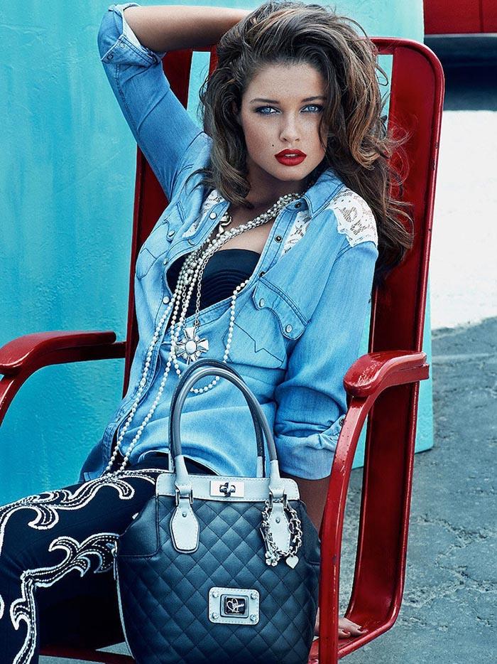 Guess tassen herfst winter 2013. Lees hier alles over Guess tassen van aankomende herfst winter 2013. Bekijk hier de designs, modellen en prijzen.