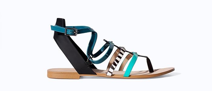 Zara slippers voor de zomer van 2014. Ga voor deze geweldige Zara slippers en laat je inspireren. De zomer collectie is een must voor de fashionista.